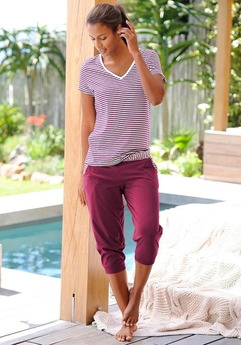 Große Größen: H.I.S Capri-Pyjama mit geringeltem T-Shirt und legerer Hose, bordeaux, Gr.40/42-56/58 jetztbilligerkaufen