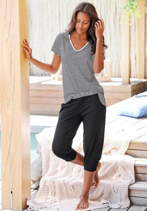 Große Größen: H.I.S Capri-Pyjama mit geringeltem T-Shirt und legerer Hose, schwarz, Gr.40/42-56/58 jetztbilligerkaufen